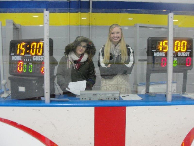 Scorekeepers Annabelle & Jordyn